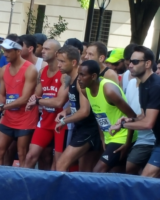 Million Wolde O(lympic gold medalist in the 5000M at Sydney) at 5th Ave Mile start. Photo by Beth Hildick-Smith